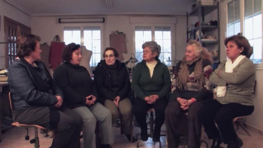 Las trabajadoras gallegas del textil -las costureras- son las protagonistas del documental