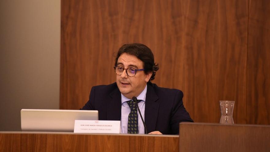 l consejero de Sanidad y Políticas Sociales, José María Vergeles