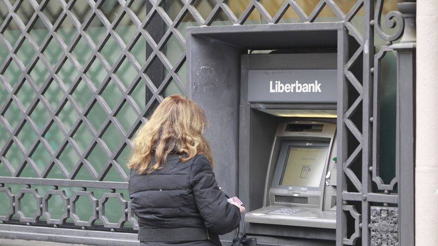 Liberbank cae un 18% ante la incertidumbre que ha generado la resolución de Popular