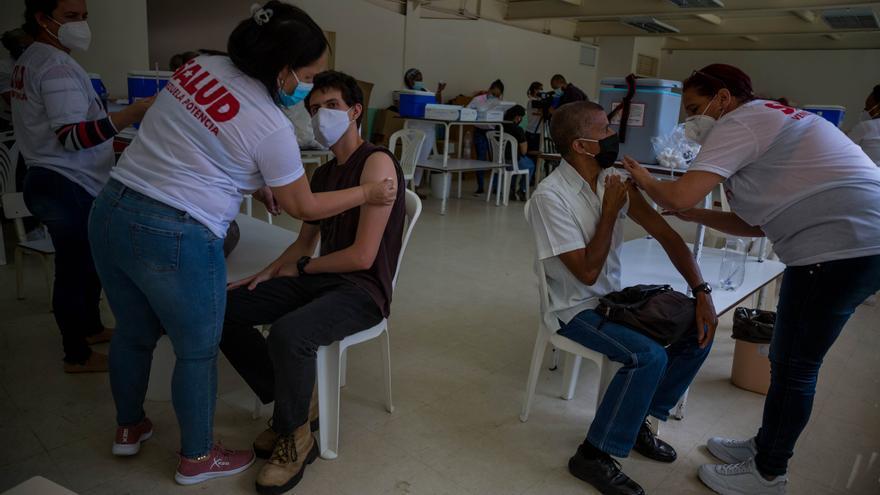 Venezuela recibirá vacunas de Covax en las próximas semanas, según la OPS