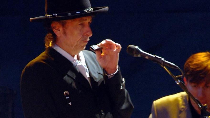 Bob Dylan hace de su capa un sayo en Granada