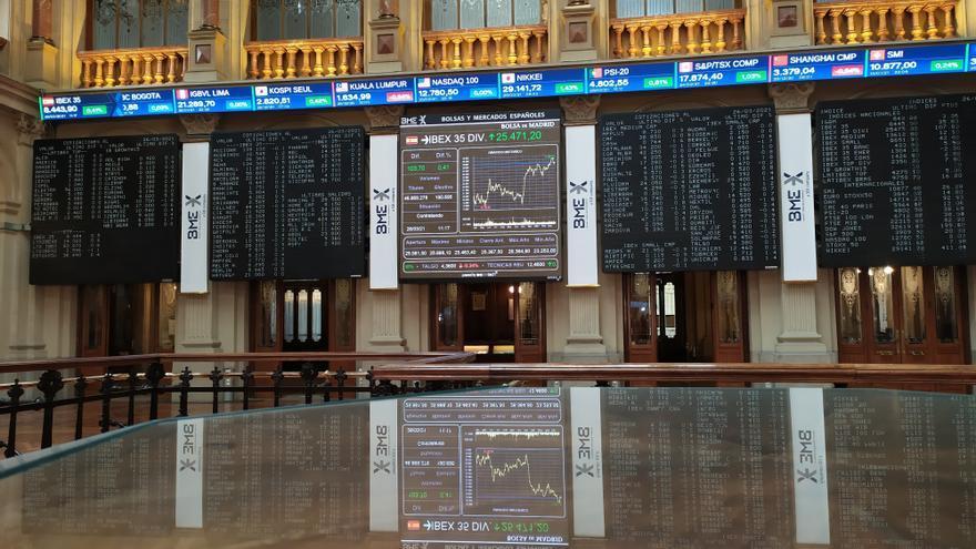 La Bolsa española abre con una leve subida del 0,05 % y supera los 8.500 puntos