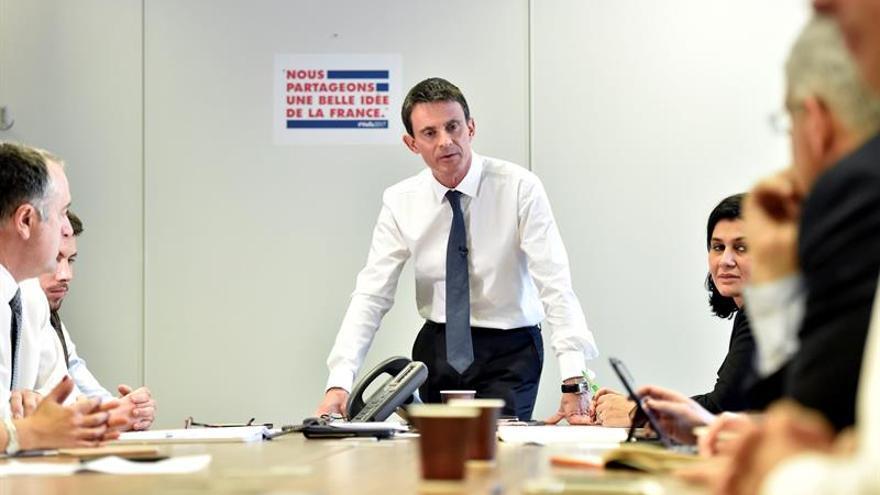 Socialistas franceses lanzan primarias con 7 candidatos y Valls como favorito