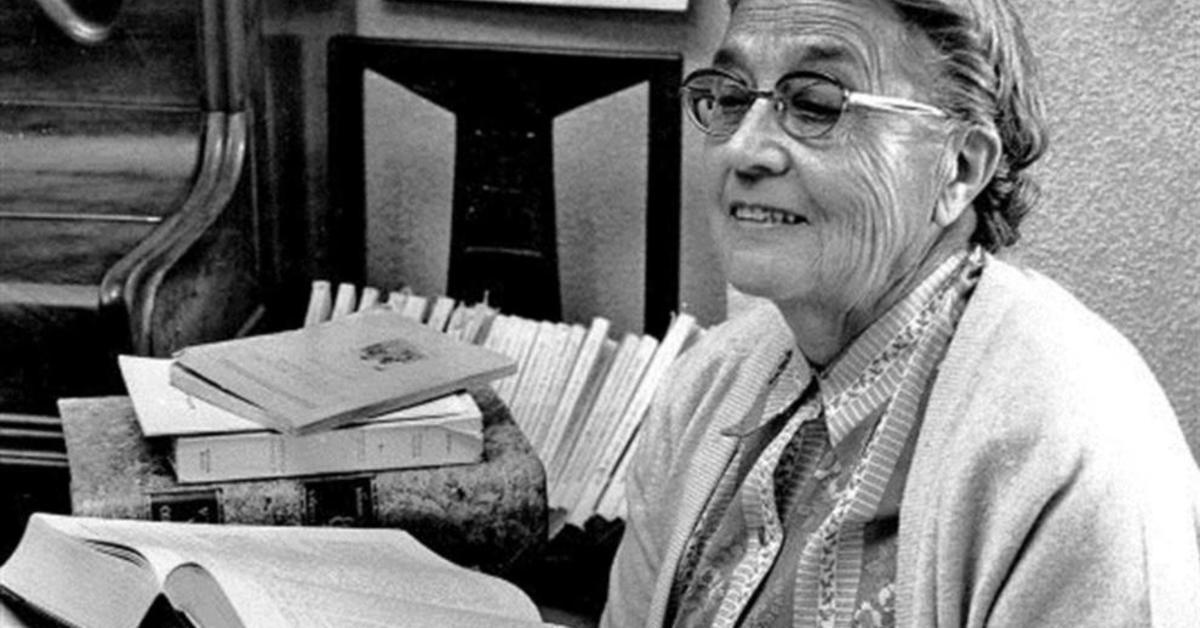 Los años valencianos de María Moliner: las 105 bibliotecas rurales que creó durante la República le costaron el exilio interior en el franquismo Por @lucas_marco