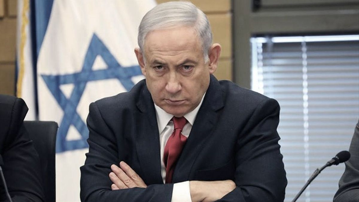 Los opositores de Netanyahu, quien está procesado judicialmente por cargos de corrupción que él rechaza, acusan al premier de 71 años de fomentar las divisiones en su espacio político y de privilegiar su propia supervivencia en el mando por encima de todas las cosas.
