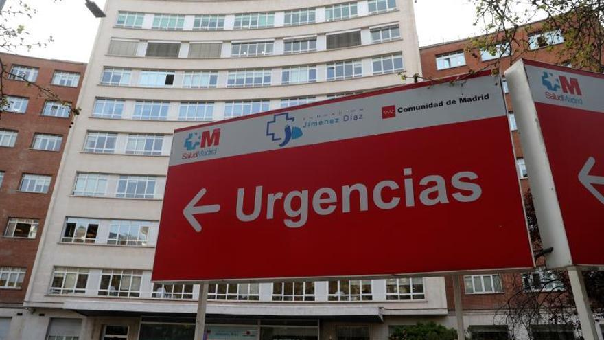 Vista del cartel de Urgencias del Hospital Universitario Fundación Jiménez Díaz de Madrid.