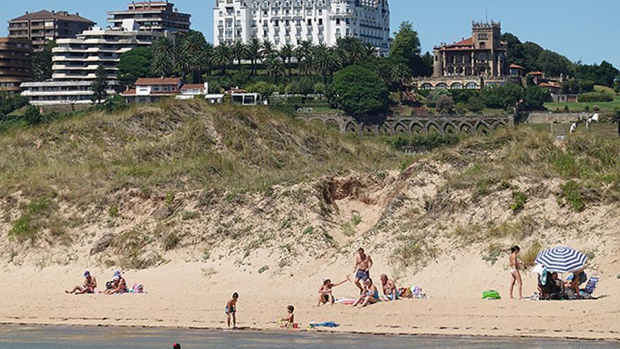 Un domingo de playa en Santander.