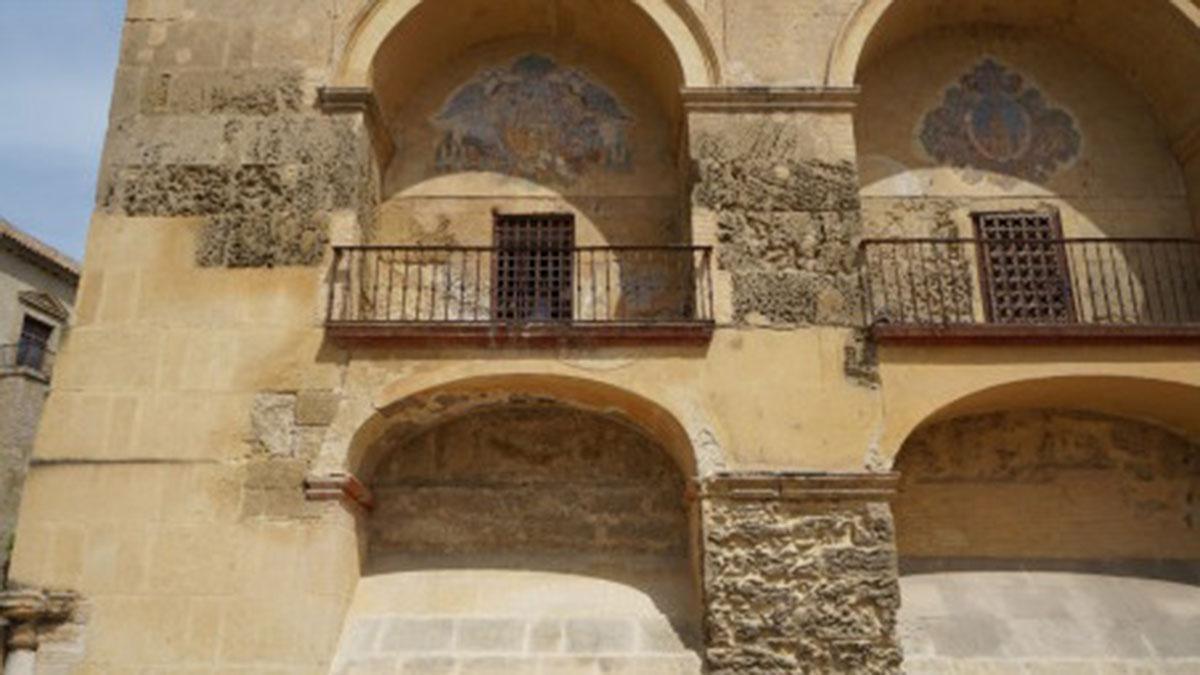 Arco de la fachada sur de la Mezquita-Catedral donde se realizarán los trabajos.