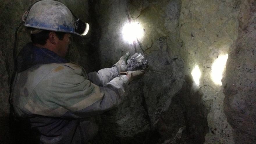 Alfredo Dávila trabaja en la mina 19 de junio desde hace 16 años. (Lydia Molina)