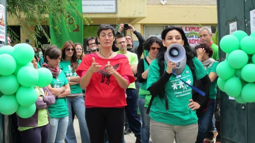 Interinos andaluces ocupan un instituto para pedir su vuelta a las aulas