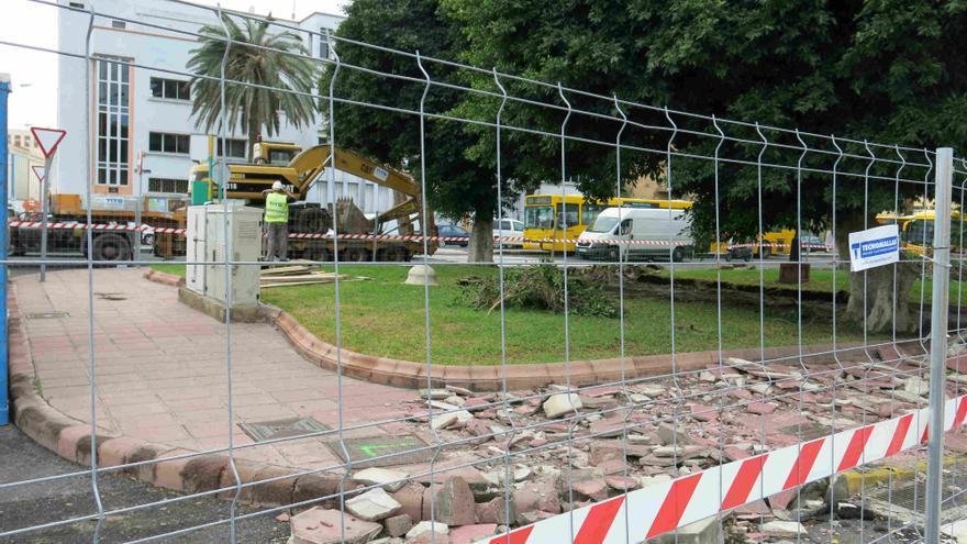 Obras en la plaza de Manuel Becerra.
