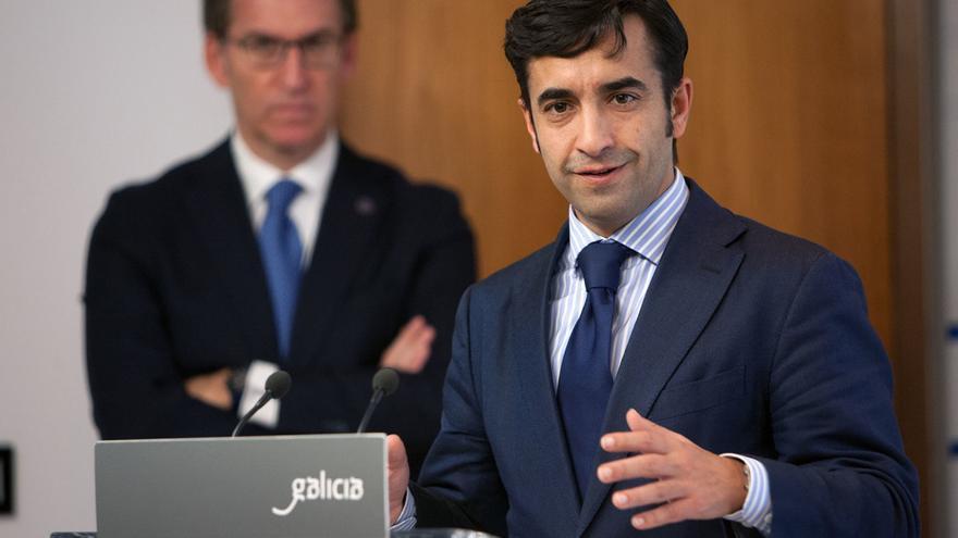 José Manuel Rey Varela, conselleiro de Política Social, ante el presidente de la Xunta, Alberto Núñez Feijóo
