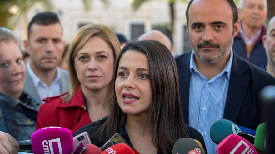 Arrimadas resta importancia a la advertencia del PSOE sobre prevaricación