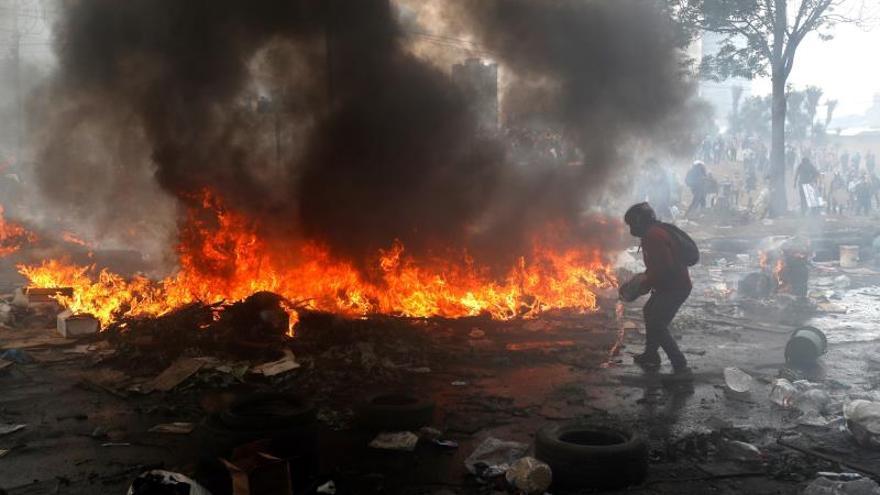 El presidente de Ecuador felicita la apertura al diálogo y justifica el toque de queda