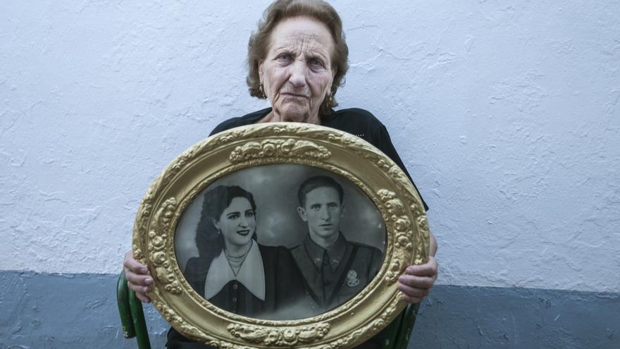 Petra Robles, toda una vida jugando a la lotería para poder enterrar dignamente a los suyos