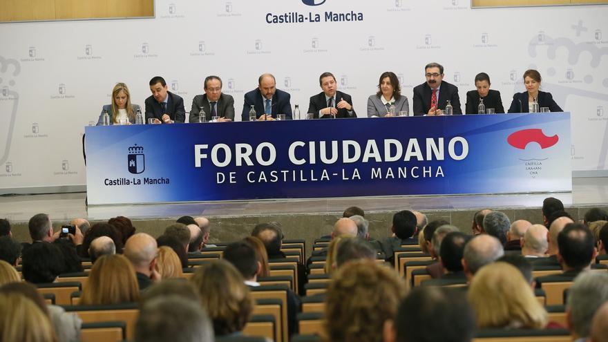 El Gobierno en pleno compareció en el I Foro Ciudadano