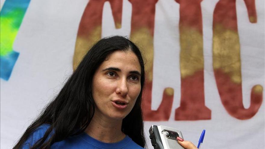 Yoani Sánchez obtiene el pasaporte que solicitó con la reforma migratoria cubana
