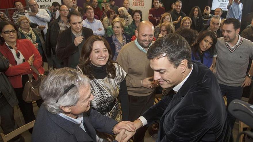 Pedro Sánchez opina que el mejor servicio a la sociedad es cambiar la Constitución