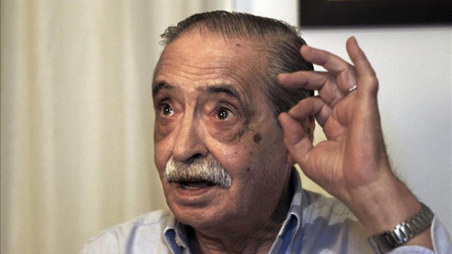 Despiden los restos de Strassera, fiscal del juicio contra los dictadores argentinos