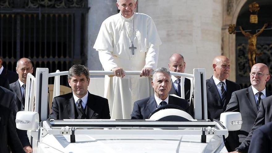El papamóvil será el inseparable socio de Francisco en su visita a Paraguay