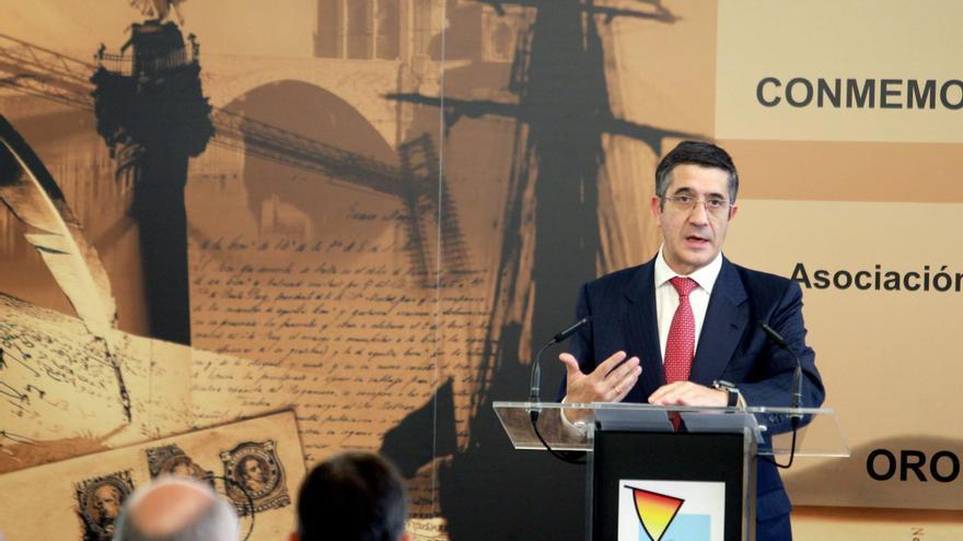 El lehendakari plantea bajar el tipo impositivo de las pequeñas empresas