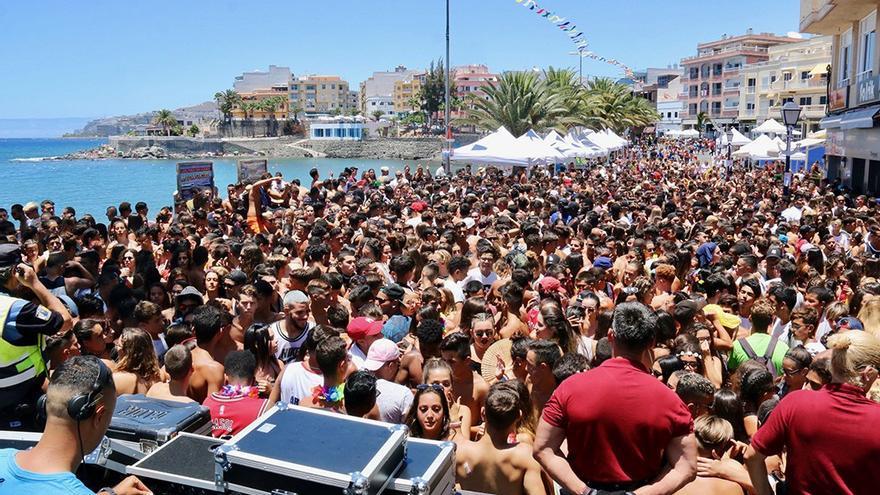 Jóvenes en el Festival del Agua Arguín H2O. (Mogan.es).