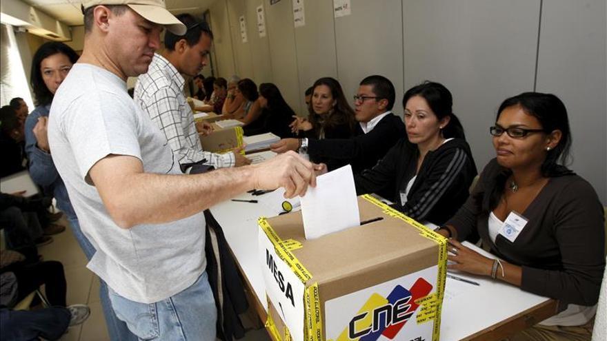 Un estudio de la Carlos III cuestiona el sistema electoral venezolano