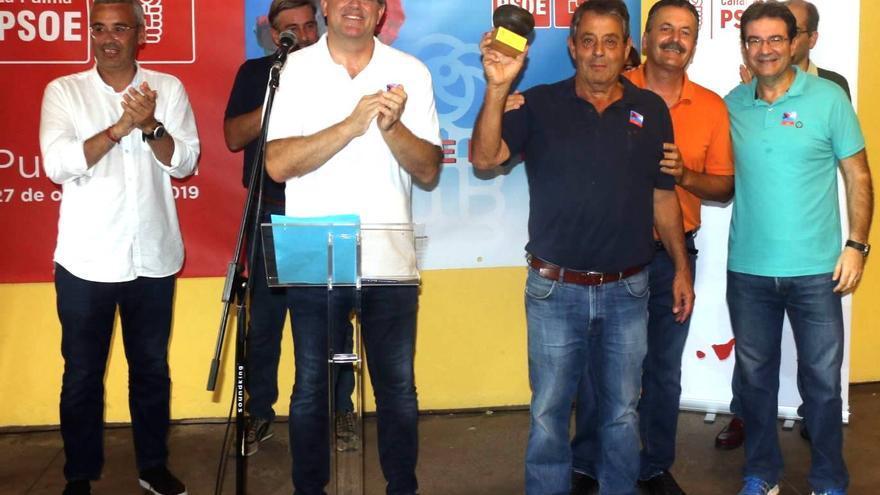 Reconocimiento a Blas Bravo, ex alcalde de Breña Alta.