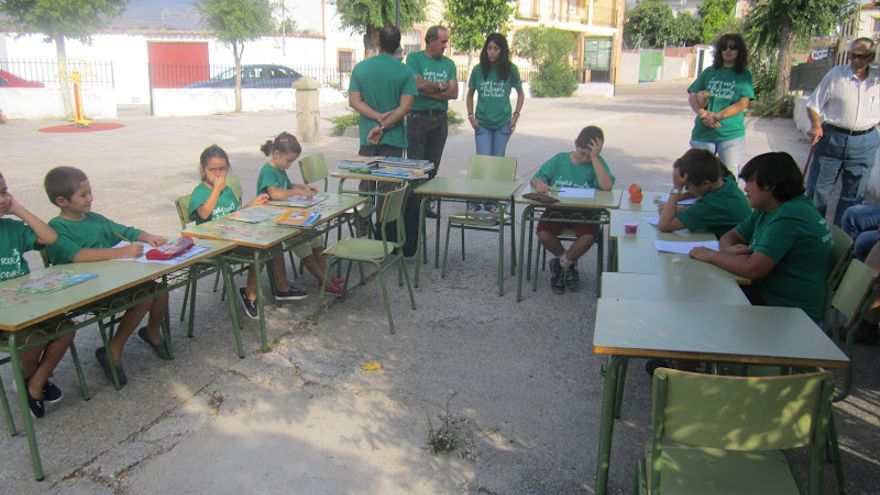 Protesta contra el cierre de la escuela de Garciotum / Elkokedegarciotum.