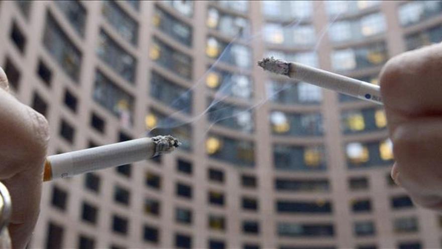 Los diputados galos mantienen el paquete de tabaco sin el logo de la marca