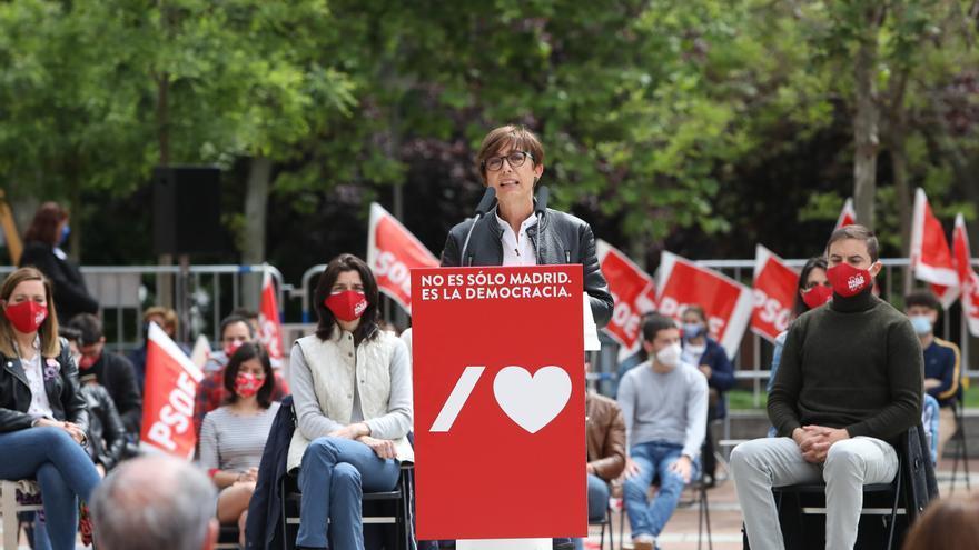 La directora general de la Guardia Civil, María Gámez, durante un acto electoral del PSOE, a 24 de abril de 2021, en Puente de Vallecas,