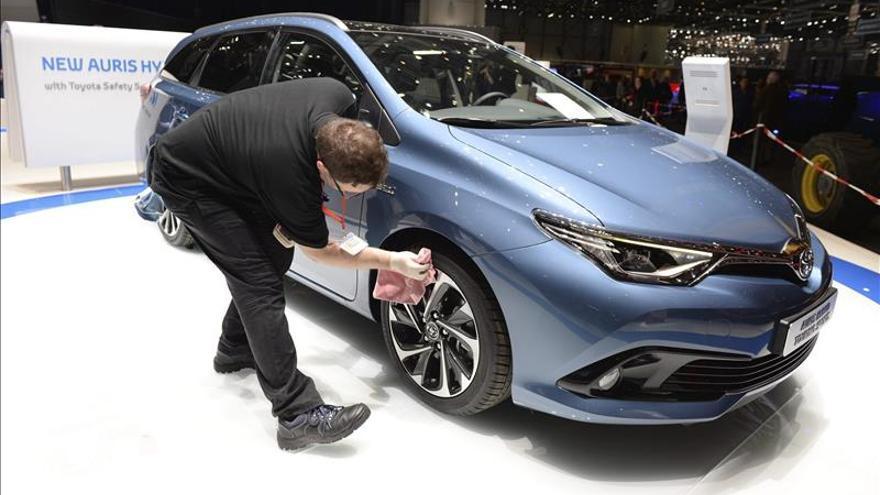 Fallo de software obliga a Toyota a revisar 625.000 híbridos en todo el