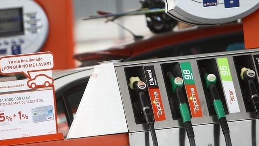 """UPA pide a Soria que """"deje de pedir informes"""" y actúe """"de una vez por todas"""" en el mercado de carburantes"""