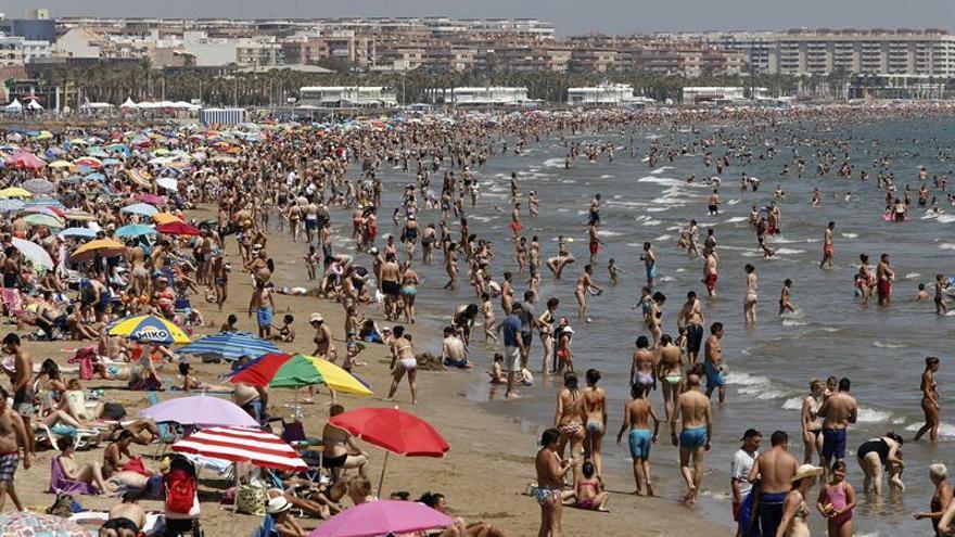 Aviso en 5 comunidades por mucho calor, sobre todo Extremadura y Andalucía