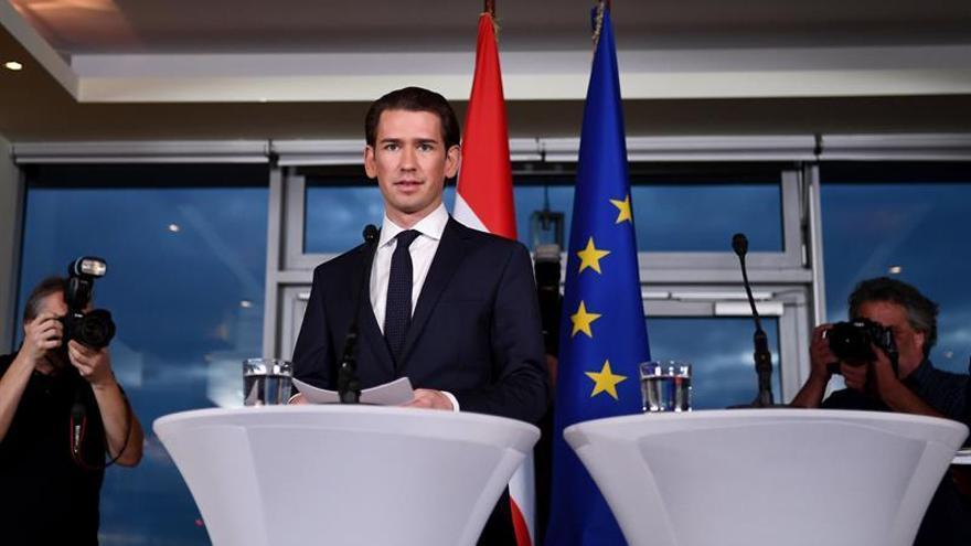 El Gobierno de conservadores y ultras jurará el cargo en medio de protestas en Austria