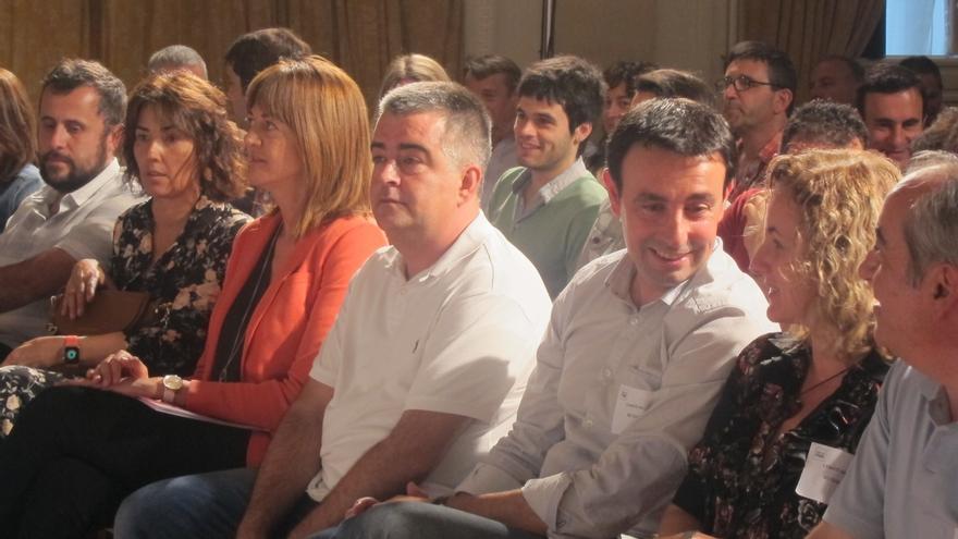 """Mendia no ve """"necesario"""" consultar a las bases del PSOE sobre una posible abstención a la investidura de Rajoy"""