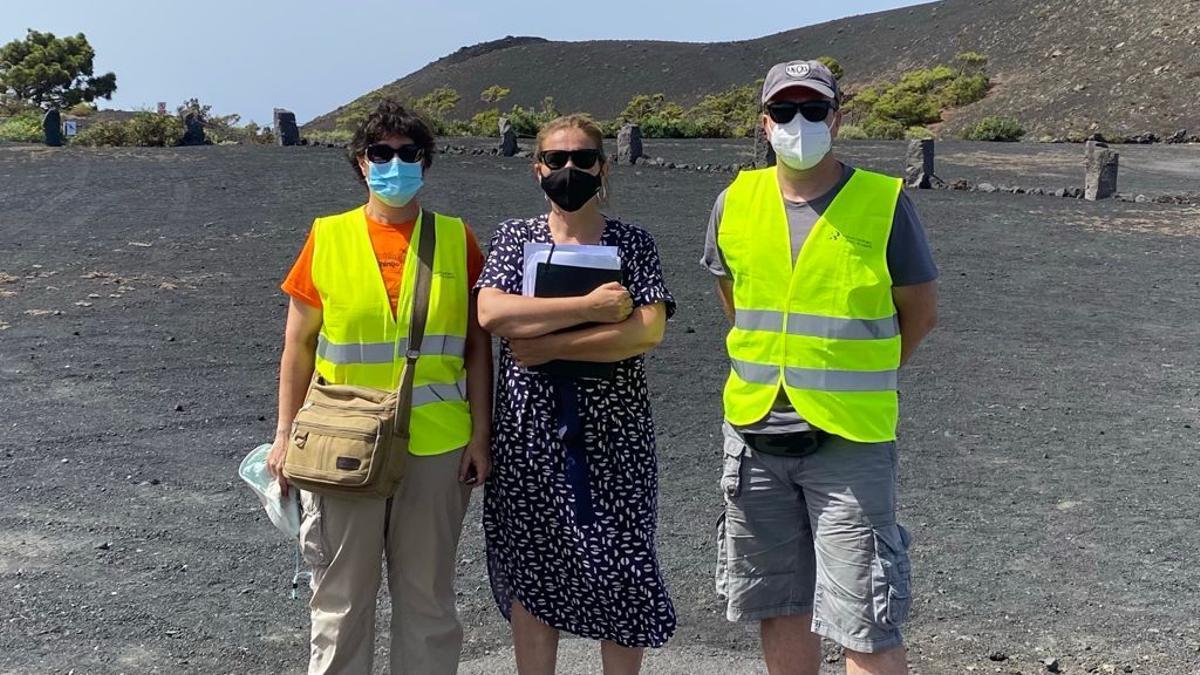 Personal científico y técnico del Instituto de Geociencias y del Instituto Geológico y Minero de España, pertenecientes al Consejo Superior de Investigaciones Científicas (CSIC), conocieron las instalaciones del Centro de Visitantes del Volcán San Antonio, en Fuencaliente, como posible emplazamiento de una estación geodésica.