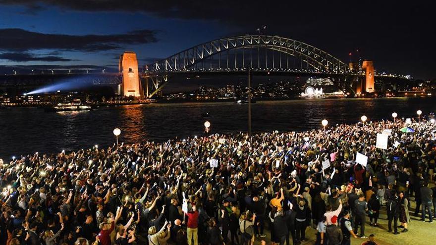 Protestan por el uso de la Ópera de Sidney para publicitar una carrera hípica