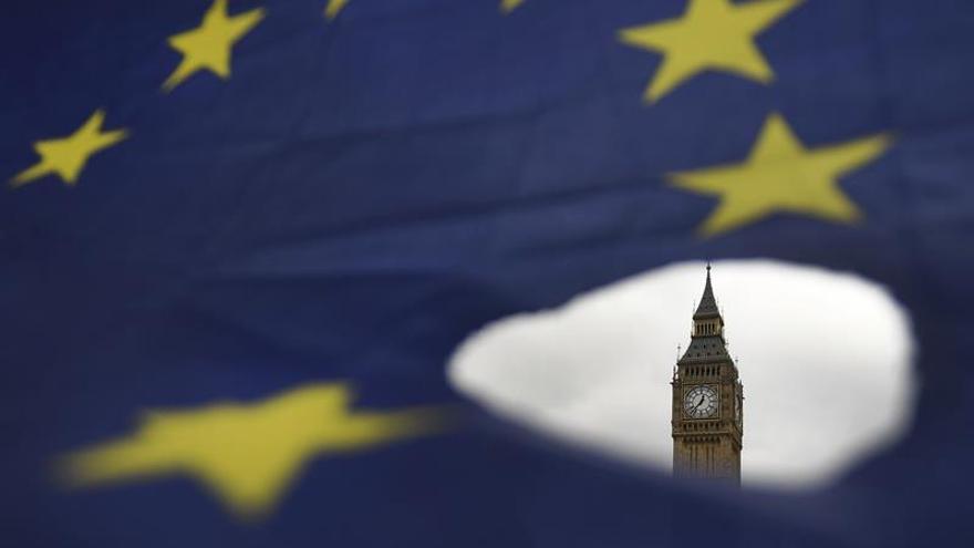 Los europeos en Reino Unido piden ayuda al Parlamento Europeo para mantener su derecho a residencia