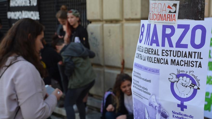 Concentración estudiantil. Huelga Feminista 8M Murcia (07)