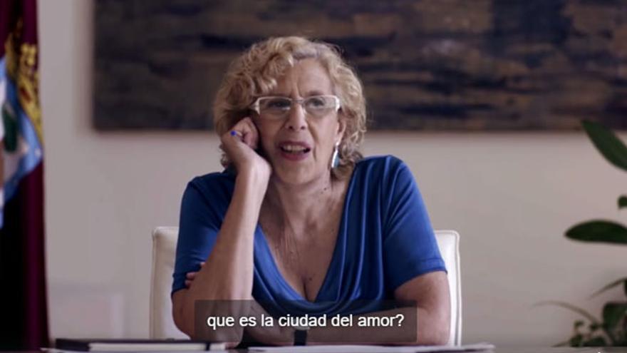 """Manuela Carmena en el vídeo para solicitar el título de """"ciudad del amor"""" a París"""