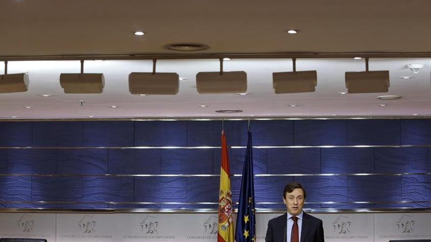"""Hernando (PP) confía PSOE resuelva pronto su crisis y vuelva """"a la sensatez"""""""