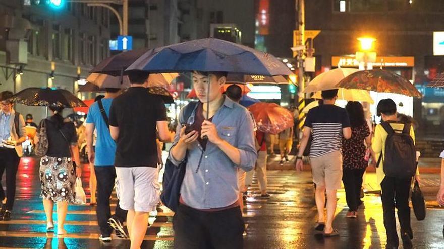 Taiwán bajo alerta ante la proximidad del tifón Megi