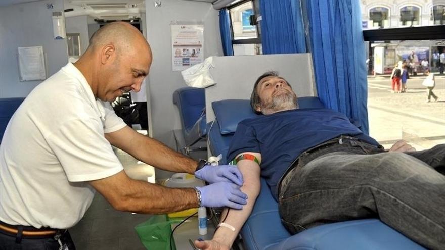 Urtaran anima a los vitorianos a acudir a donar sangre ante la cercanía de fechas festivas y el periodo navideño