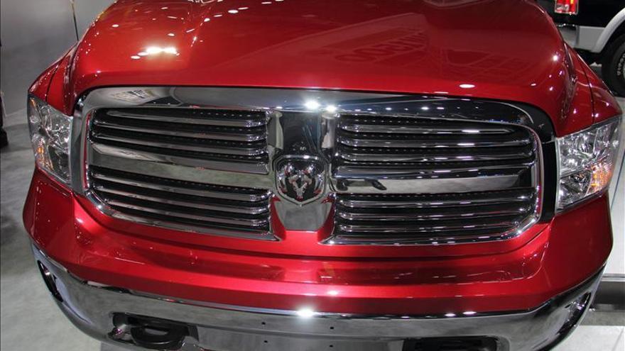 Chrysler llama a revisión 1,2 millones de camionetas por defecto en dirección