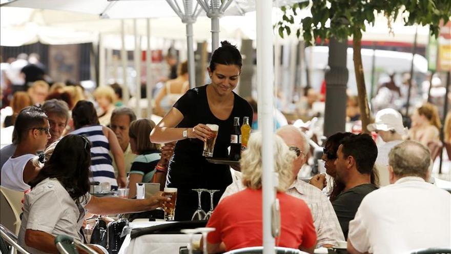 El empleo en turismo cae un 1,8 por ciento en el segundo trimestre de 2013