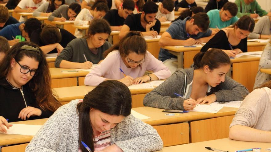 El 93,22% de alumnos presentados a Selectividad supera la prueba en Andalucía, con un 10 como nota más alta en Granada