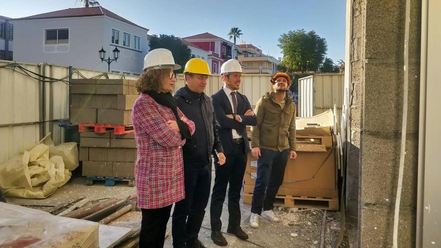 Visita a las obras del futuro Centro de Día de Mayores de El Paso.