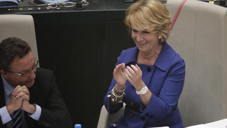 Aguirre pide al PSOE que ponga a España por delante tras las 17 dimisiones