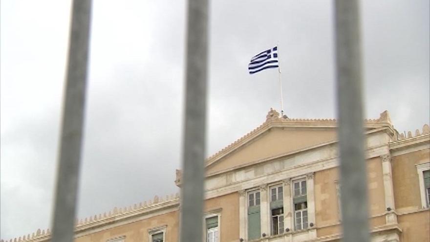 """IU dice que Grecia sólo podrá dar una salida social a la crisis con un Gobierno """"insumiso"""" frente al euro"""